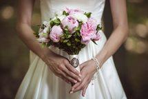 """Традиционные и оригинальные свадебные букеты от магазина-салона """"Цветы Эль"""""""