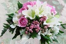 Букет цветов - простой способ поднять настроение близким, даже находясь далеко