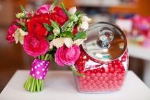 Цветочный магазин предлагает порадовать близких и сделать мир красивее